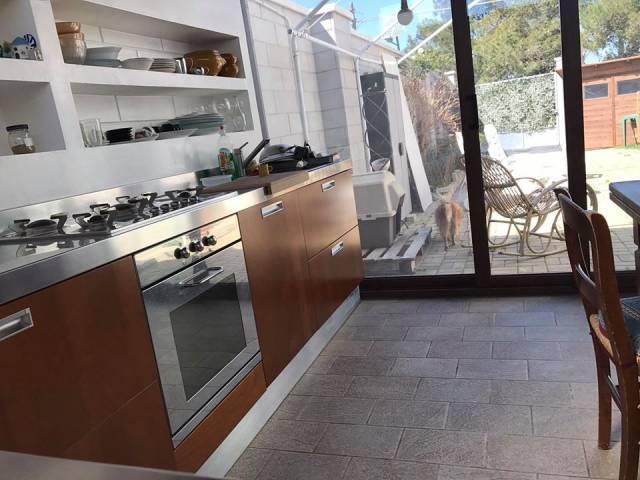 Villa in vendita a Lecce, 6 locali, prezzo € 220.000 | CambioCasa.it