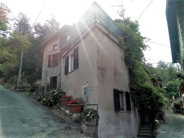 Rustico / Casale in vendita a Ruino, 4 locali, prezzo € 68.000 | CambioCasa.it