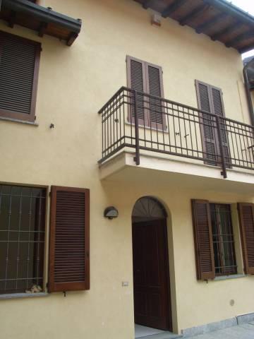 Soluzione Indipendente in vendita a Castello di Brianza, 4 locali, prezzo € 125.000 | CambioCasa.it