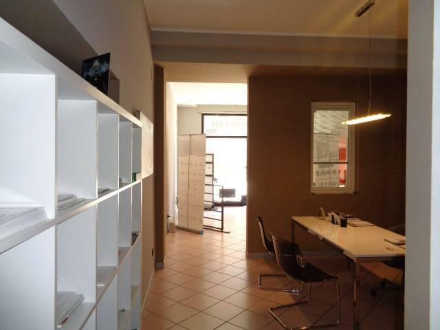 Negozio / Locale in affitto a Cremona, 1 locali, prezzo € 700 | CambioCasa.it
