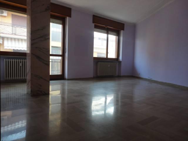 Appartamento in affitto a Alba, 6 locali, prezzo € 530 | CambioCasa.it
