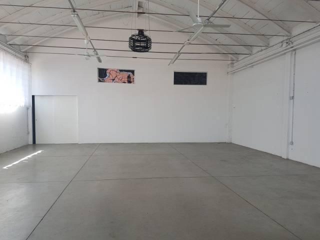 Capannone in vendita a Modena, 6 locali, prezzo € 390.000 | CambioCasa.it
