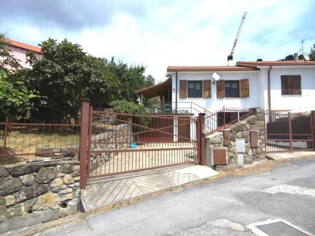 Villa in vendita a Andora, 5 locali, prezzo € 390.000 | CambioCasa.it