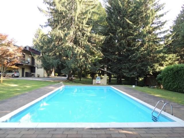 Villa in vendita a Casorate Sempione, 6 locali, prezzo € 650.000 | CambioCasa.it