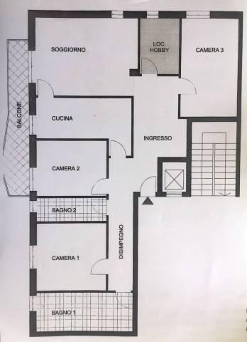 Appartamento in vendita a Pavia, 4 locali, prezzo € 160.000 | CambioCasa.it