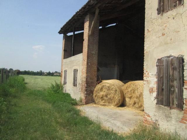 Rustico / Casale in Vendita a Marmirolo