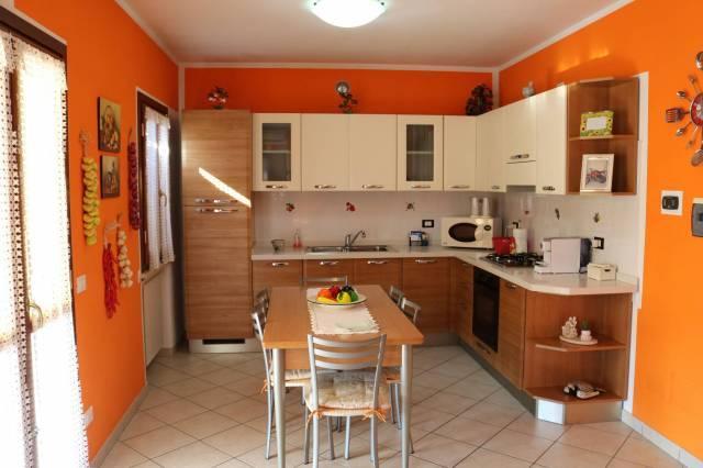Appartamento in vendita a Calvisano, 3 locali, prezzo € 130.000 | CambioCasa.it