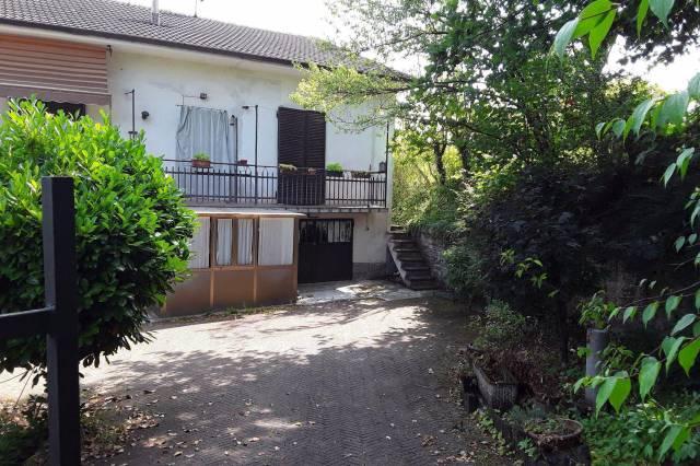 Rustico / Casale in vendita a San Damiano d'Asti, 4 locali, prezzo € 87.000 | CambioCasa.it