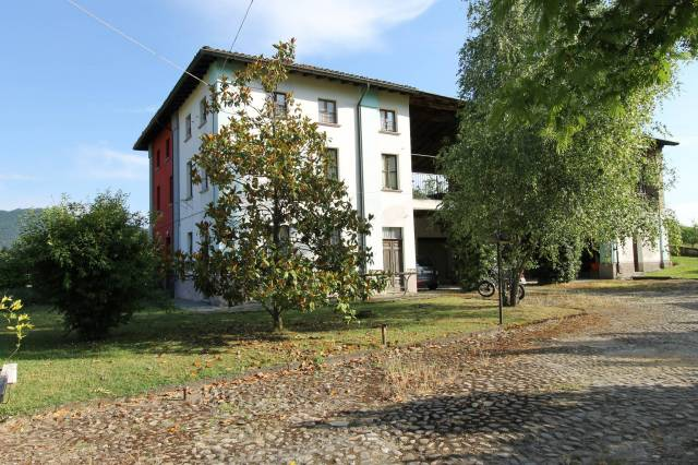 Villa in vendita a Ponte Nizza, 3 locali, prezzo € 95.000   CambioCasa.it