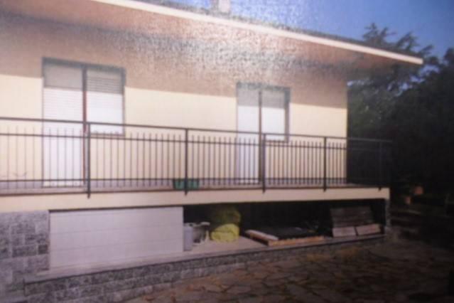 Villa in vendita a Front, 4 locali, prezzo € 60.000 | CambioCasa.it