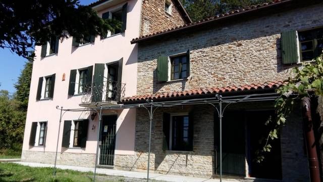 Rustico / Casale in vendita a Rocchetta Palafea, 6 locali, prezzo € 290.000 | CambioCasa.it