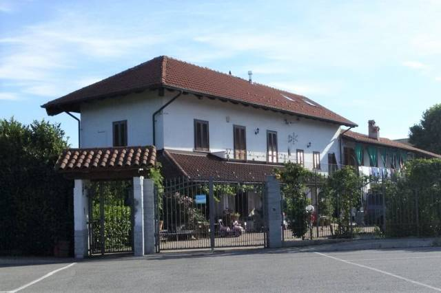 Villa in vendita a Caselle Torinese, 6 locali, prezzo € 198.000 | CambioCasa.it