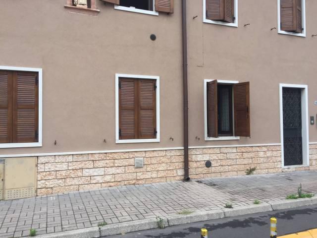 Appartamento in affitto a Sommacampagna, 3 locali, prezzo € 450 | CambioCasa.it