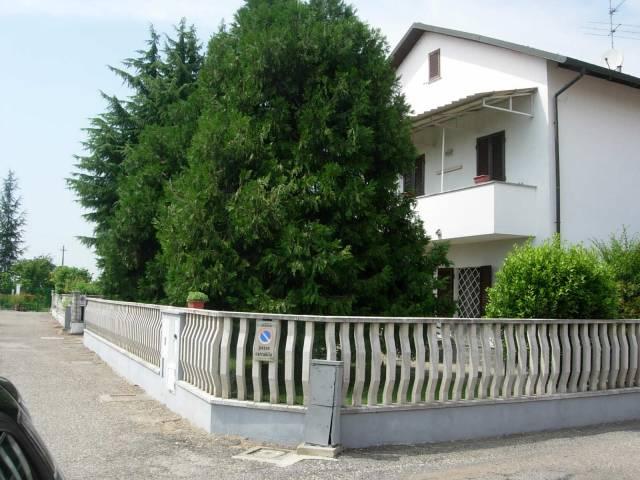 Villa in vendita a Desana, 4 locali, prezzo € 210.000 | CambioCasa.it