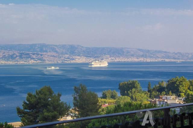 Appartamento in vendita a Messina, 4 locali, prezzo € 350.000 | CambioCasa.it