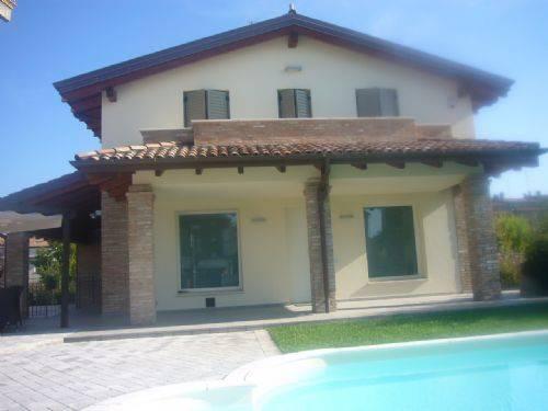 Villa in vendita a Castelnuovo Rangone, 4 locali, prezzo € 650.000 | CambioCasa.it