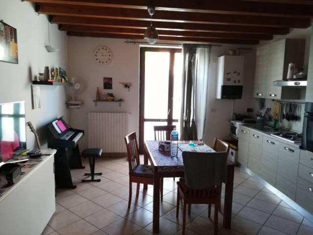 Appartamento in affitto a Volta Mantovana, 2 locali, prezzo € 350   CambioCasa.it