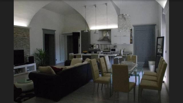 Appartamento in vendita a Pinerolo, 4 locali, prezzo € 570.000 | CambioCasa.it