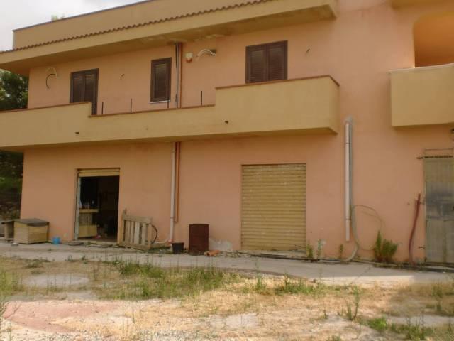 Negozio / Locale in vendita a Casteldaccia, 2 locali, prezzo € 185.000 | CambioCasa.it