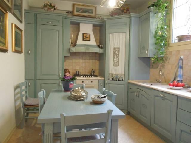 Appartamento in vendita a Padova, 5 locali, zona Zona: 1 . Centro, prezzo € 398.000 | CambioCasa.it