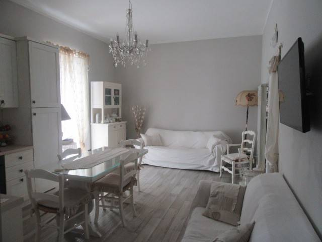 Appartamento in vendita a Acqui Terme, 5 locali, prezzo € 119.000 | CambioCasa.it