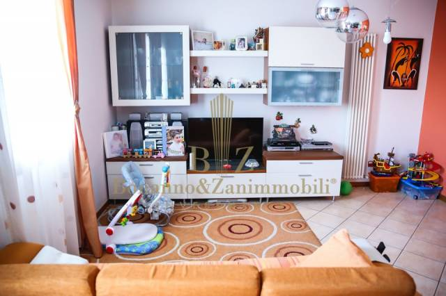 Appartamento in vendita a Vedelago, 2 locali, prezzo € 125.000 | CambioCasa.it