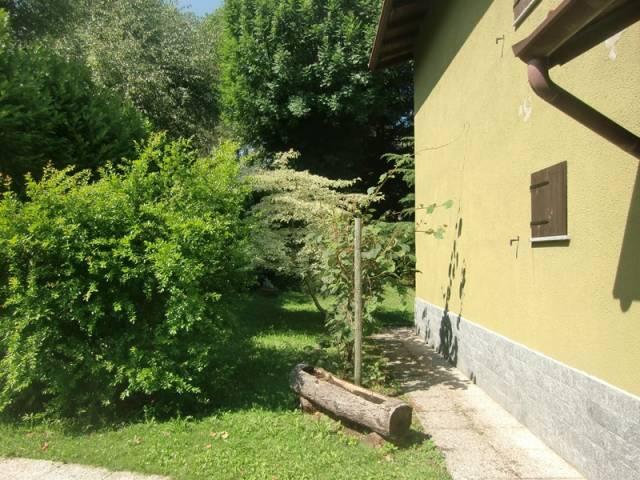 Villa a Schiera in vendita a Magreglio, 4 locali, prezzo € 99.000 | CambioCasa.it