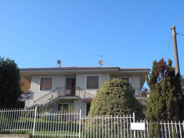 Villa in vendita a Canale, 5 locali, Trattative riservate | CambioCasa.it