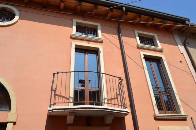 Appartamento in affitto a Villafranca di Verona, 3 locali, prezzo € 450 | CambioCasa.it