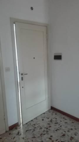 Appartamento in affitto a Gallarate, 2 locali, prezzo € 600 | CambioCasa.it