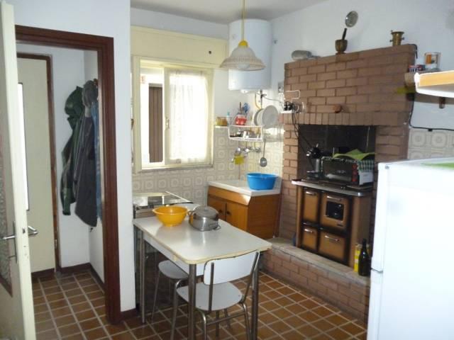 Soluzione Indipendente in vendita a Paisco Loveno, 4 locali, prezzo € 50.000 | CambioCasa.it