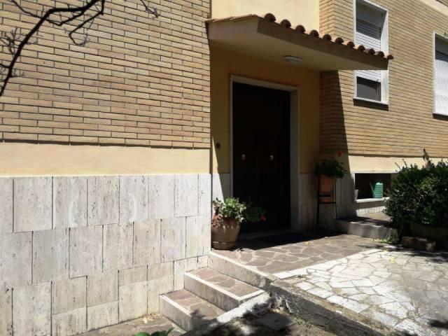 Appartamento in affitto a Albano Laziale, 3 locali, prezzo € 600 | CambioCasa.it