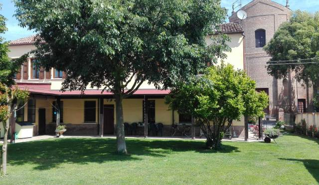 Villa in vendita a Portomaggiore, 6 locali, prezzo € 330.000 | CambioCasa.it