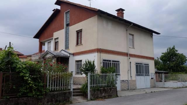 Villa in vendita a Chiusa di Pesio, 5 locali, prezzo € 160.000 | CambioCasa.it