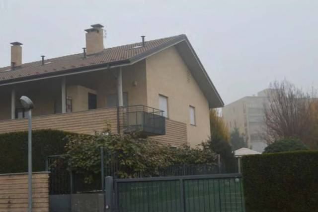 Appartamento in vendita a Volpiano, 4 locali, prezzo € 120.000 | CambioCasa.it