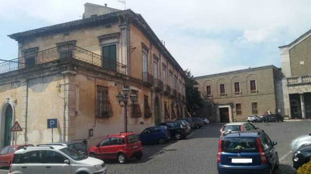 Appartamento in vendita a Teano, 6 locali, Trattative riservate | CambioCasa.it