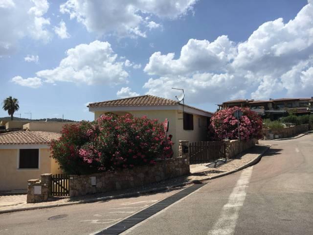 Villa in vendita a Golfo Aranci, 6 locali, prezzo € 450.000 | CambioCasa.it