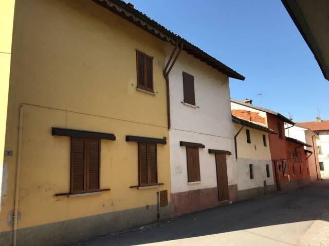 Soluzione Indipendente in vendita a Ospedaletto Lodigiano, 2 locali, prezzo € 33.000 | CambioCasa.it