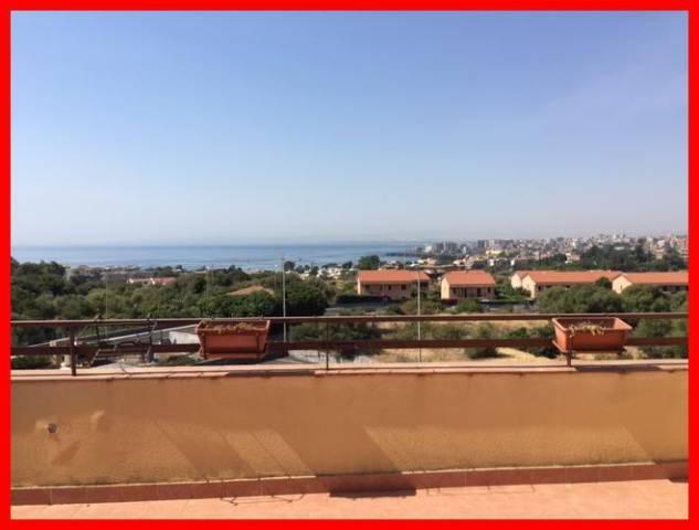 Appartamento in vendita a Aci Castello, 5 locali, prezzo € 319.000 | CambioCasa.it