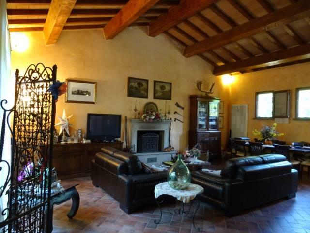 Rustico / Casale in vendita a San Giuliano Terme, 9999 locali, prezzo € 475.000 | CambioCasa.it