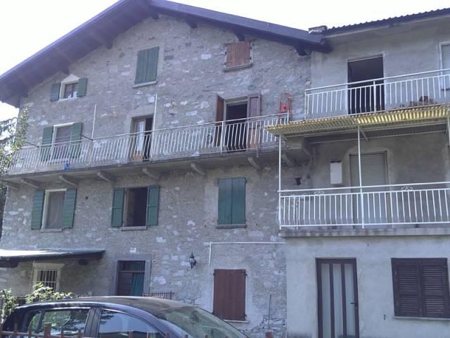 Appartamento in vendita a Prata Camportaccio, 3 locali, prezzo € 60.000 | CambioCasa.it