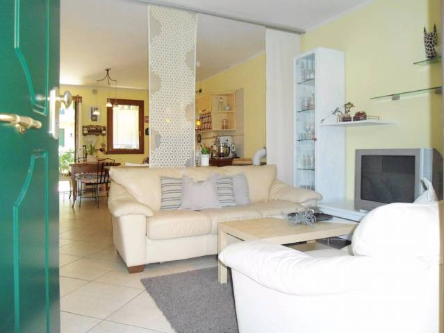 Villa a Schiera in Vendita a Rosà