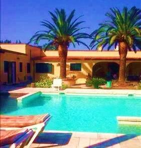 Villa in affitto a Lecce, 6 locali, prezzo € 1.200 | CambioCasa.it
