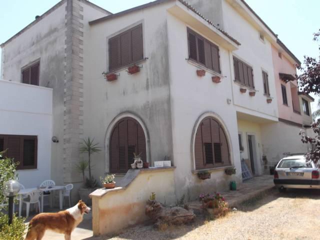 Villa in vendita a Leverano, 6 locali, prezzo € 239.000 | CambioCasa.it