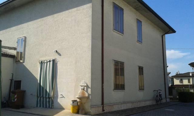 Villa in vendita a Marmirolo, 6 locali, prezzo € 205.000 | CambioCasa.it