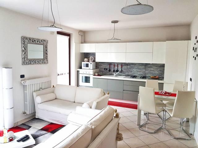 Appartamento in vendita a Rozzano, 2 locali, prezzo € 159.000 | CambioCasa.it