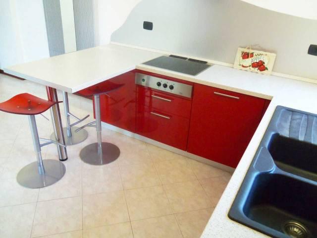 Appartamento in affitto a Rovellasca, 2 locali, prezzo € 530 | CambioCasa.it