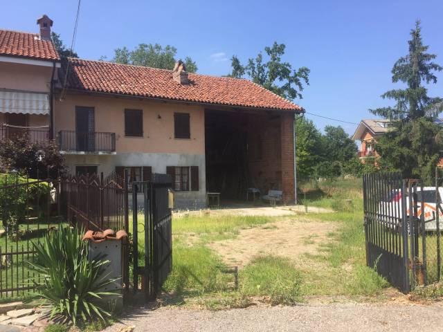 Rustico / Casale in vendita a Pralormo, 4 locali, prezzo € 109.000 | CambioCasa.it