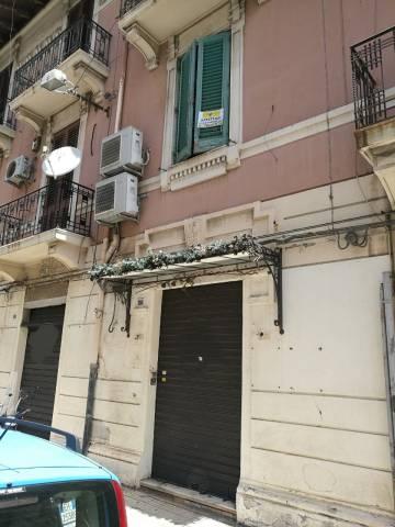 Negozio / Locale in vendita a Messina, 4 locali, prezzo € 260.000   CambioCasa.it