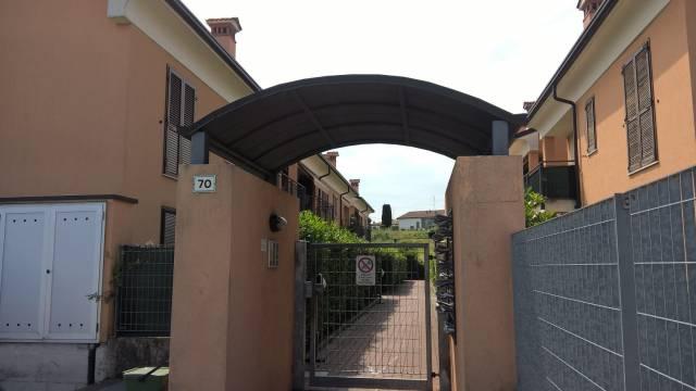 Appartamento in vendita a Peschiera del Garda, 2 locali, prezzo € 115.000 | CambioCasa.it